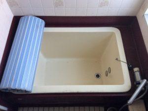 浴槽も痛みが目立ちます。