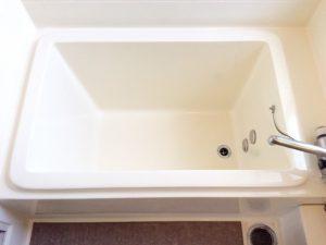真っ白な快適なお風呂に